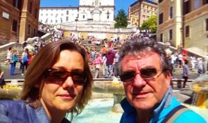Rómában  a Spanyol Lépcsőnél