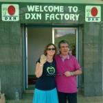 A DXN gyár bejárata